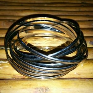 9 Looped Bangles